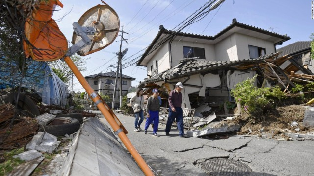 160415090321-02-japan-earthquake-0415-super-169.jpg